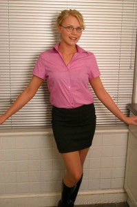 TelephoneModels.com Abigail Toyne June 26th 2006 1 199x300 Abigail Toyne in secretary outfit