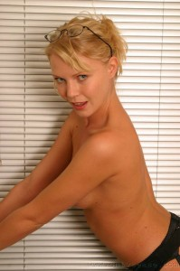 TelephoneModels.com Abigail Toyne June 26th 2006 6 199x300 Abigail Toyne in secretary outfit