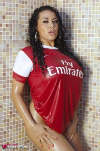 TelephoneModels.com Dani O Neal September 2nd 2011 1 199x300 Dani ONeal Wet Arsenal Fan