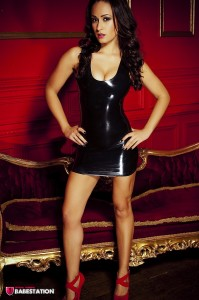 TelephoneModels.com Amber James October 27th 2011 1 199x300 Amber James Latex Dress