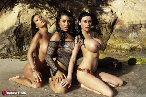 TelephoneModels.com Dani O Neal Ree Petra Tiffany Chambers November 1st 2011 2 300x199 Dani ONeal, Ree Petra & Tiffany Chambers On The Beach