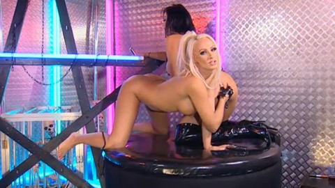 TelephoneModels.com 28 09 2013 01 56 17 480x270 Lucy Summers & Yasmine James   Playboy TV Chat   September 28th 2013