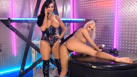 TelephoneModels.com 28 09 2013 02 08 44 480x270 Lucy Summers & Yasmine James   Playboy TV Chat   September 28th 2013