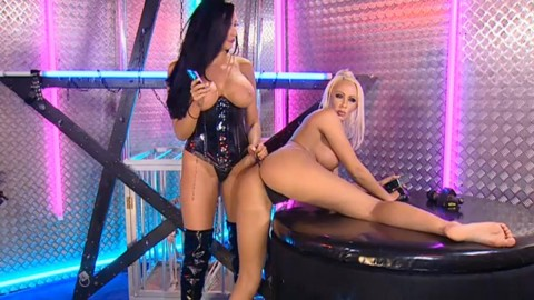 TelephoneModels.com 28 09 2013 02 08 52 480x270 Lucy Summers & Yasmine James   Playboy TV Chat   September 28th 2013