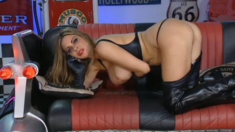 TelephoneModels.com 18 12 2013 02 10 11 480x270 Linsey Dawn McKenzie   Red Light Central   December 18th 2013