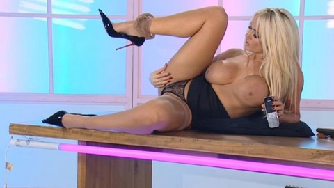 TelephoneModels.com 18 12 2013 03 05 58 480x270 Lucy Zara   Playboy TV Chat   December 18th 2013
