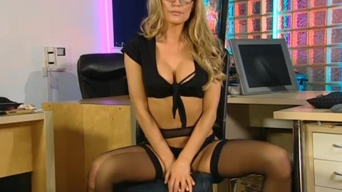 TelephoneModels.com 04 05 2014 03 02 21 480x270 Paige Green   Playboy TV Chat   May 4th 2014